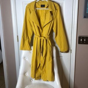 Love Tree Mustard Light Trench Coat Size Large